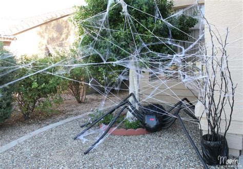 bid web diy yard decor spider in spiderweb