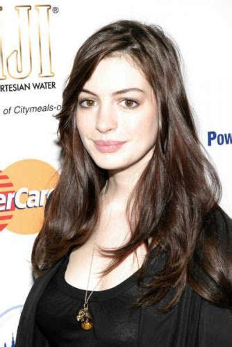 Long Hairstyles For Women Over 30 With Oval Face | 10 anne hathaway long hairstyles so many fun styles