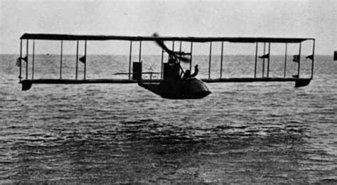 first airplane ever made the first commercial flight