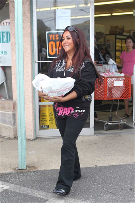 nicole polizzi house nicole polizzi photos photos jersey shore cast leaves the house zimbio