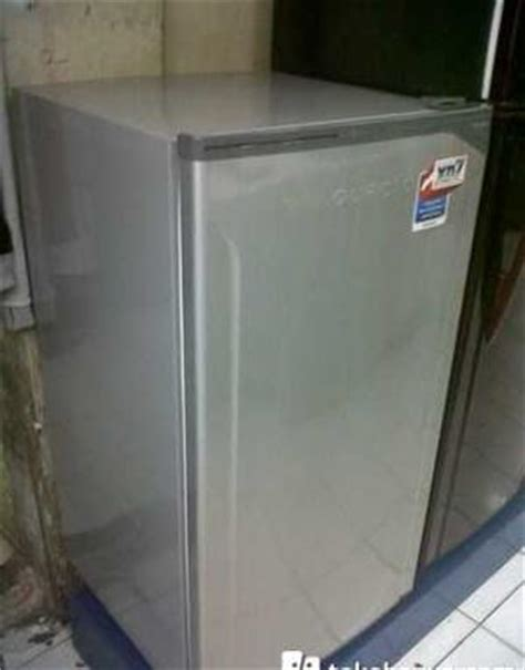 Lemari Es Toshiba Xd7 Harga Kulkas Toshiba Grn175bc New Xd7 Glacio Pricenia
