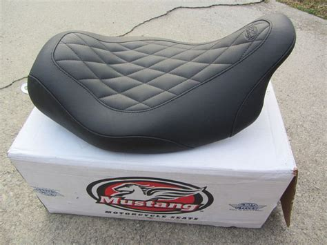 mustang seats for 2015 glide mustang wide tripper seat black harley flhx