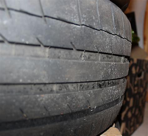Motorrad Reifen Zu Alt by Profilnull 1 5 Jahre Alte Reifen Nach 10tkm Halbe