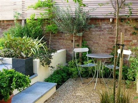 arredare giardini piccoli piccoli giardini come realizzare piccoli spazi verdi