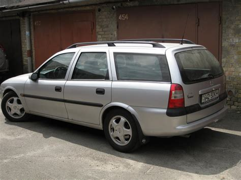 opel vectra b caravan 1997 opel vectra b caravan pictures information and