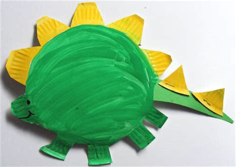 Stegosaurus Paper Plate Craft - those crafty dinosaurs galt toys