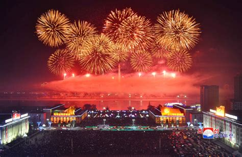how is the new year celebrated in photos fireworks and celebrations around the world