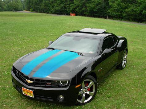 black camaro with blue stripes black camaro with blue stiping camaro5 chevy camaro