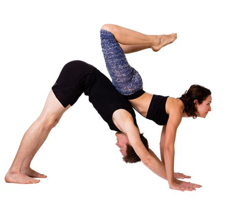 imagenes de parejas haciendo yoga yoga en pareja construyendo confianza nowhere yoga