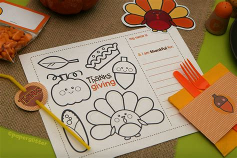 Thanksgiving Papercraft - free thanksgiving fall kit