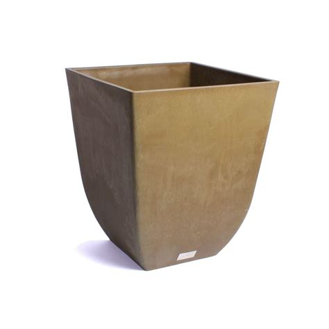 Resin Planter by Suncast Sonora 22 In Java Molded Resin Planter