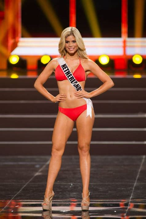 competition 2013 uk gallery miss universe 2013 swimsuit competition metro uk