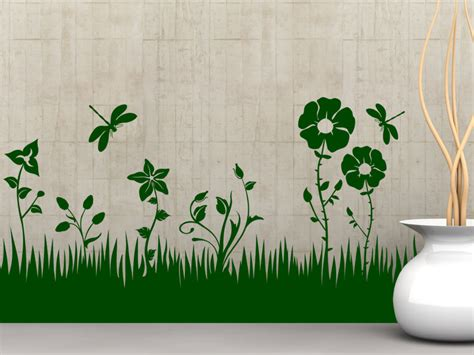 Gras An Die Wand Malen by Wandtattoo Blumen Wiese Mit Libellen Wandtattoos De