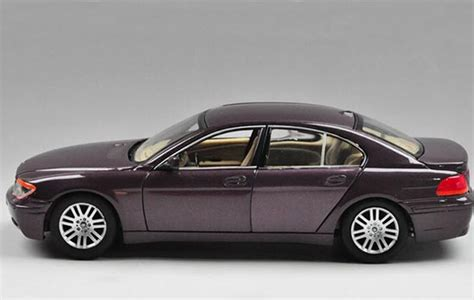 Diecast Bmw 745i By Welly Original 1 24 scale welly brand diecast bmw 745i model bm1t009