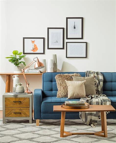 decorar cama en sofa c 243 mo decorar con un sof 225 de un color fuerte