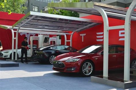 Solar Tesla Tesla Motors Shows China S Solar Supercharger
