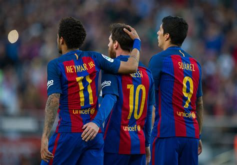 barcelona football las palmas vs fc barcelona title at stake with no cushion