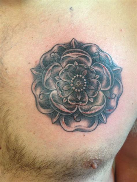 rose tattoo on bum new tattoos