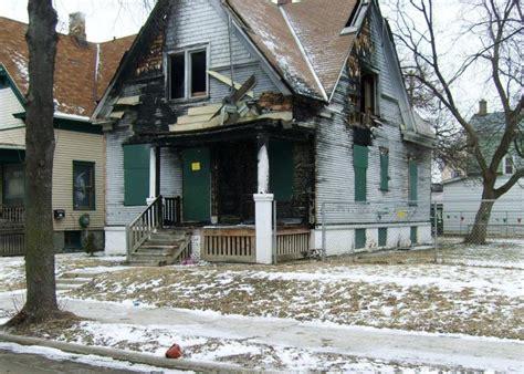House Milwaukee by Milwaukee To Demolish 200 Abandoned Homes This Summer Wuwm
