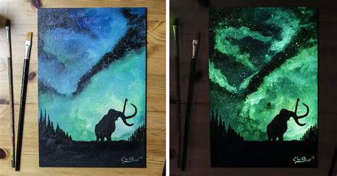 glow in the paintings this artist paints with light and it looks dazzling