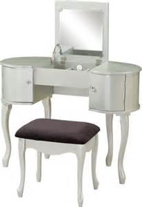 linon 580425sil01u vanity set glamorous in its