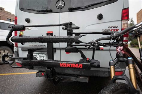 Yakima Or Thule Bike Rack by Hauling Right Yakima Holdup Versus Thule T2 Mountain