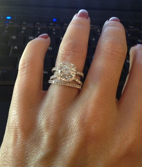 can i see the wedding band you put with your split shank e