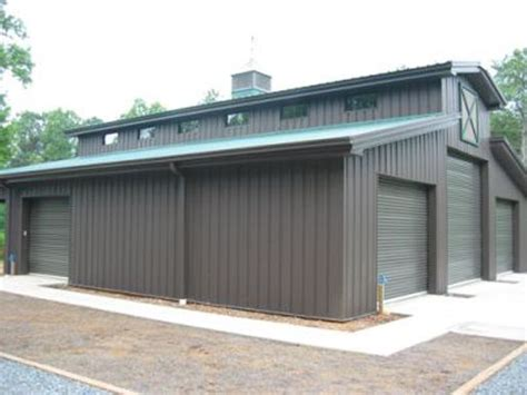 Garage With Power To Rent by Best 25 Metal Buildings Ideas On Metal Barn