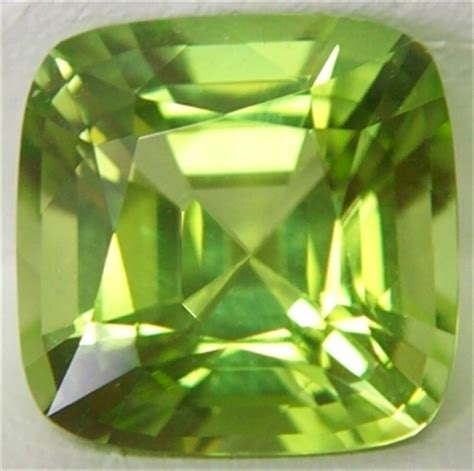peridot birthstones august birthstone evening emerald