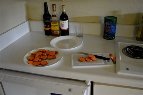 cooking in hotel room like cing in an industrial park tips lists for healthy cooking while traveling stories