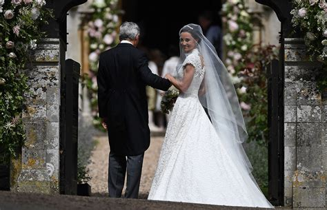 hochzeitskleid pippa middleton pippa middleton s wedding dress