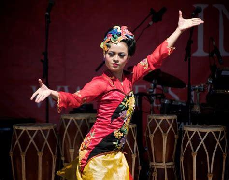 Kacamata Untuk Perempuan kacamata perempuan kebudayaan indonesia