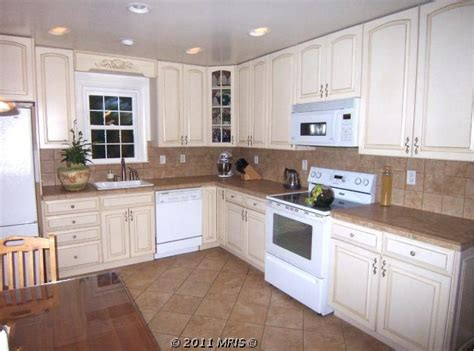 pictures of off white kitchen cabinets open kitchen off white cabinets kitchens pinterest
