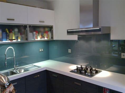 cr馘ence en verre pour cuisine image credence cuisine en verre inox carrelage ou
