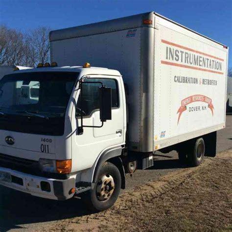 nissan box van nissan ud 1400 2001 van box trucks