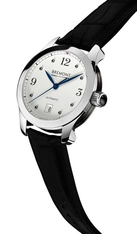 the collection of bremont 32
