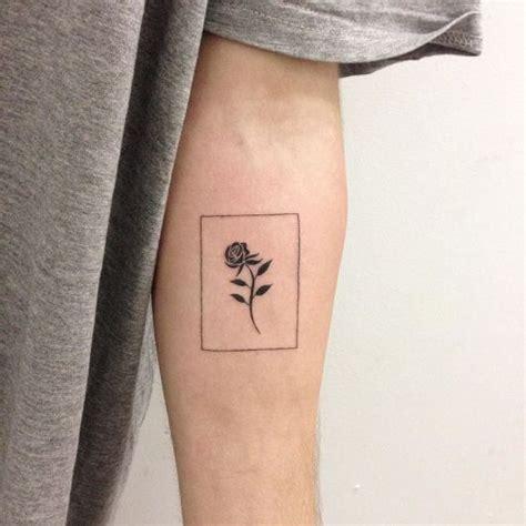 tattoo minimalista masculina tatuagem minimalista conhe 231 a e confira 40 desenhos para