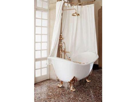 paraspruzzi vasca da bagno vasca da bagno in ghisa in stile classico su piedi tulip