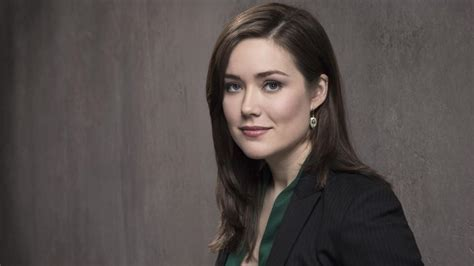 4 megan boone opens up about the blacklist favorite the blacklist frisch von der fbi akademie elizabeth
