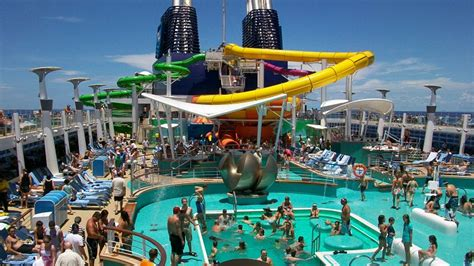 Norwegian Epic Floor Plan by Pool Deck Epic Vs Oasis Cruise Critic Message Board Forums