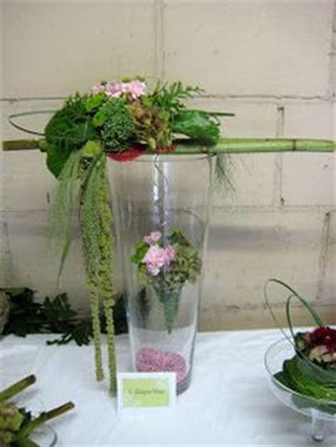 eierschalen vase bloemschikken lentestuk search bloemstukken