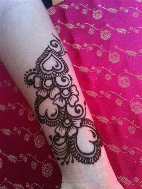 heart henna tattoo designs 25 best ideas about henna on small