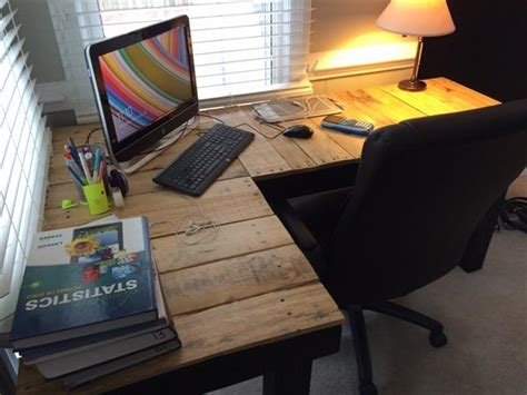 Diy L Shaped Desk Diy Pallet L Shaped Computer Desk Pallet Furniture Plans