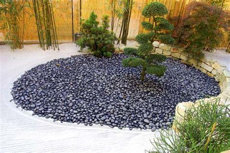 pietre per giardino zen giardino zen come creare un angolo di pace in casa