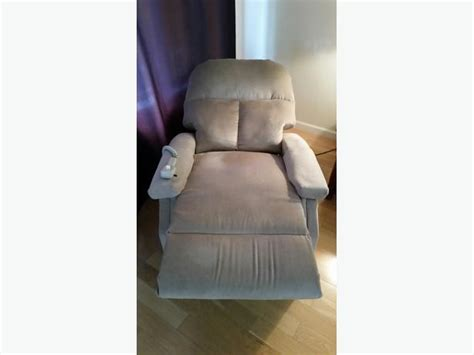 medical lift chairs recliner medical lift chair recliner north nanaimo parksville