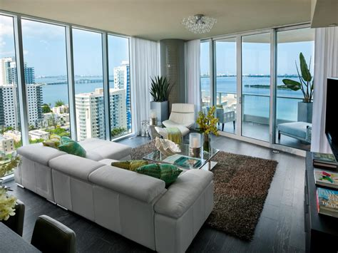 living room  hgtv urban oasis  hgtv urban oasis