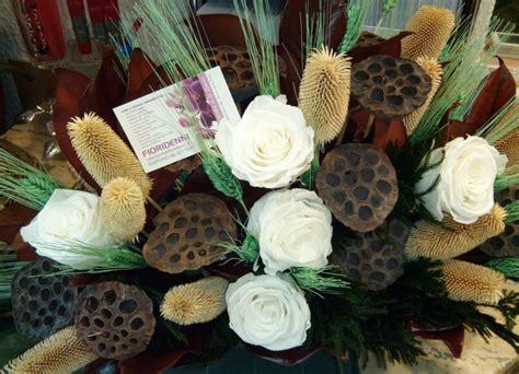 fiori secchi roma l arte dei fiori secchi e le composizioni di fiori di seta