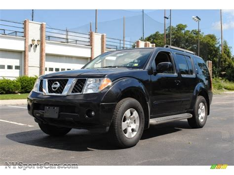 nissan pathfinder black 2005 nissan pathfinder se 4x4 in super black 725719