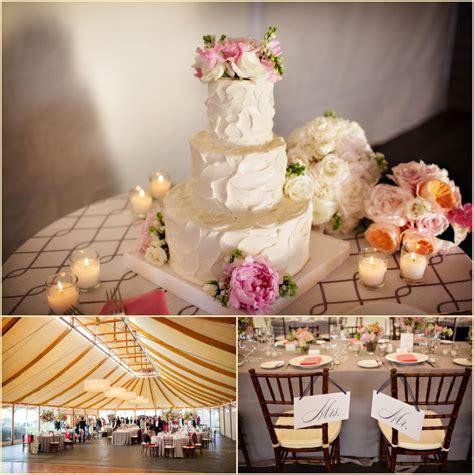 Wedding Cakes Newport Ri by Destination Wedding At Castle Hill Inn Newport Ri Wedding