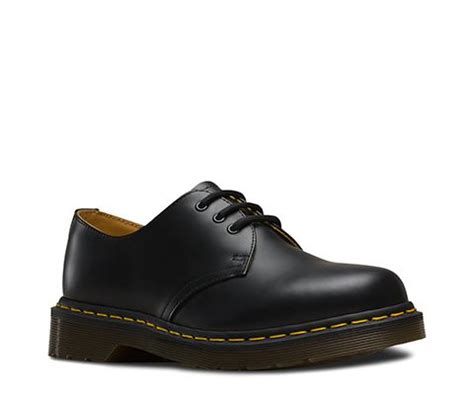 Sepatu Dr Martens Low Leather 05 1461 smooth 1461 3 eye shoes official dr martens store